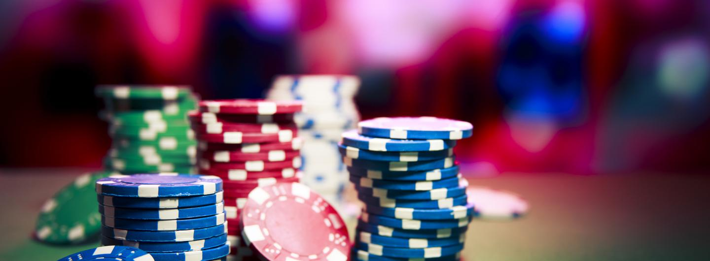 How to enjoy the advantages of online gambling sites?